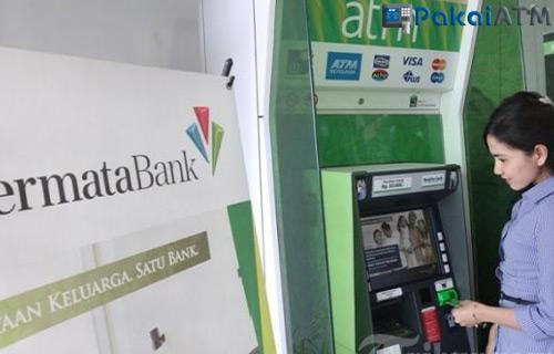 Menggunakan ATM Permata