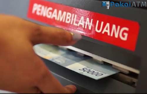 Ambil Uang Dari Mesin ATM