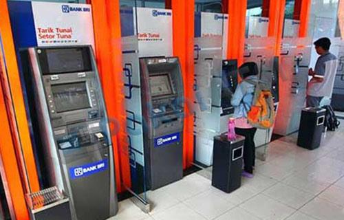 1. Datangi Gerai ATM Terdekat