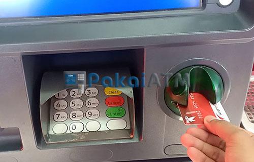 2. Masukkan Kartu ATM 3