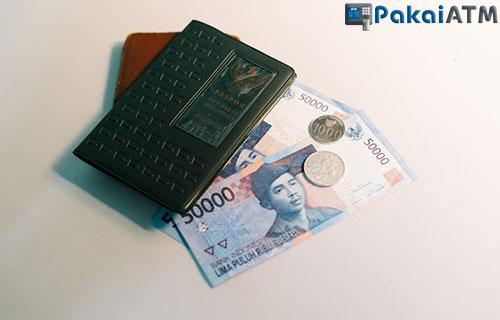 Syarat Tukar Uang Baru di Bank