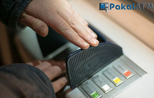 Tips Aman Mengambil Uang di ATM Bank Jatim