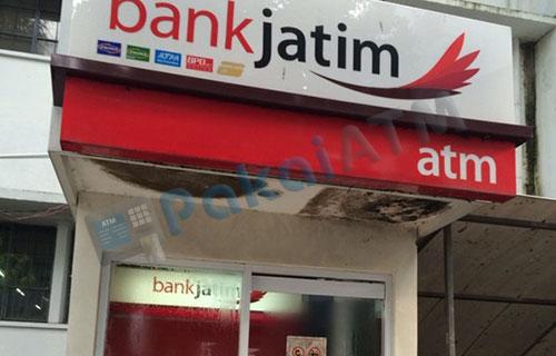1. Datangi Mesin ATM Bank Jatim