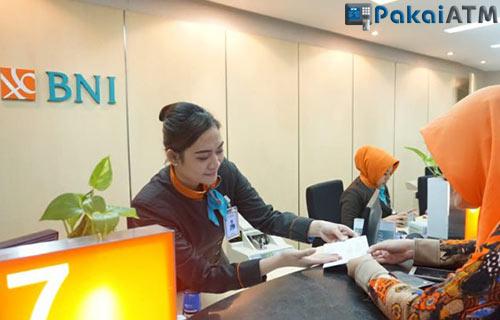 3. Datang ke Kantor Cabang Bank BNI