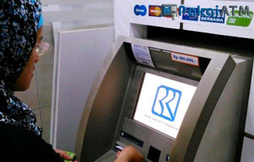 5. Cek Poin BRI Simpedes lewat ATM